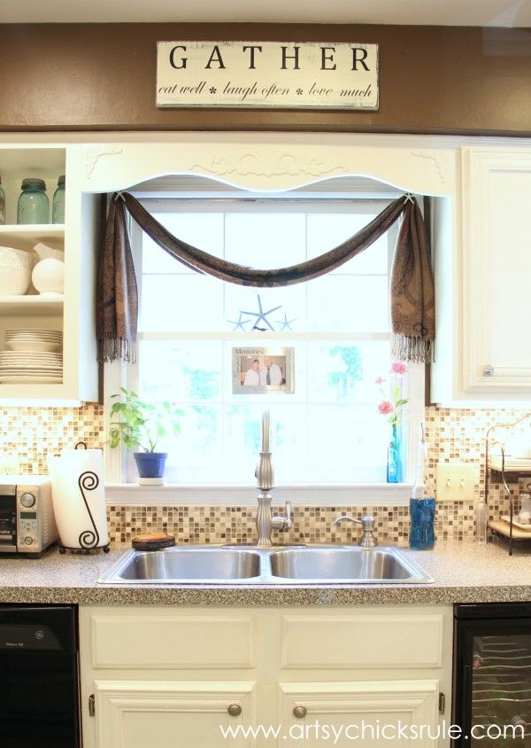 DIY Kitchen Window Treatment,