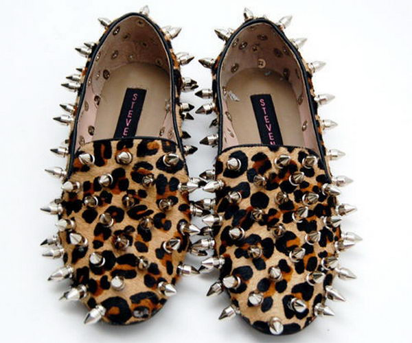 Pimped Steve Madden Loafers. http://hative.com/creative-leopard-print-shoes-ideas/