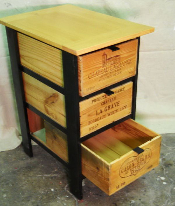 Diy ideas with milk crates or wooden crates hative for Diy wooden crate ideas