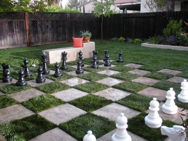 30 creative and fun backyard ideas hative for Garden design game