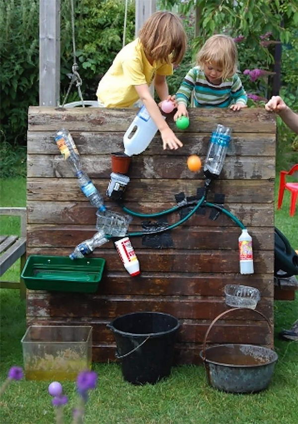 30 creative and fun backyard ideas hative - Wasserwand outdoor ...