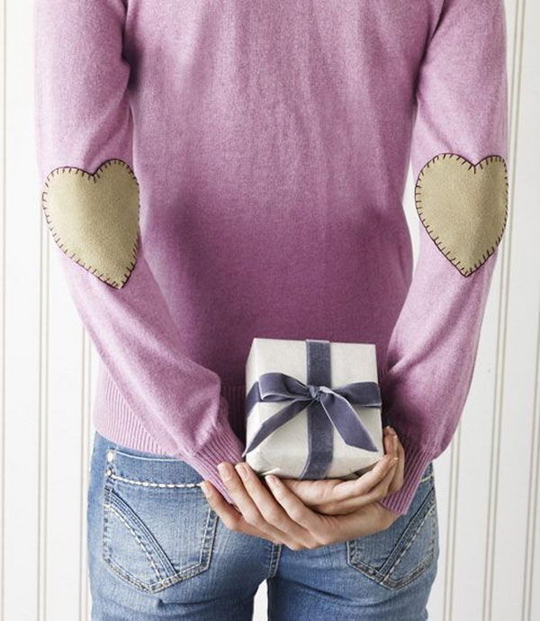 Valentine Day Heart Elbow Patch. Create a style of intelligence, distinction and romantic fashion. Give your old sweater or jacket a new life.