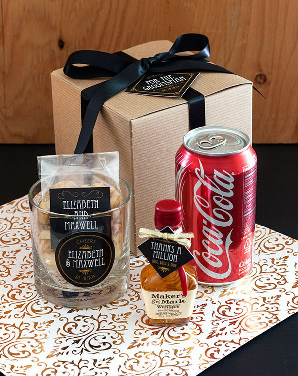 The cocktail kit has everything you need to enjoy a nice diy cocktail. You can customize it as you like, and they will become the best thank gifts for your wedding party!
