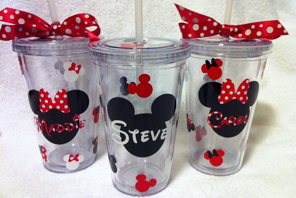This colorful Mickey tumbler is perfect for any occasion! I really love its Mickey mouse pattern and the matching bow ribbon. It's a perfect match for the theme of the party. http://hative.com/cute-minnie-mouse-party-ideas-for-kids/