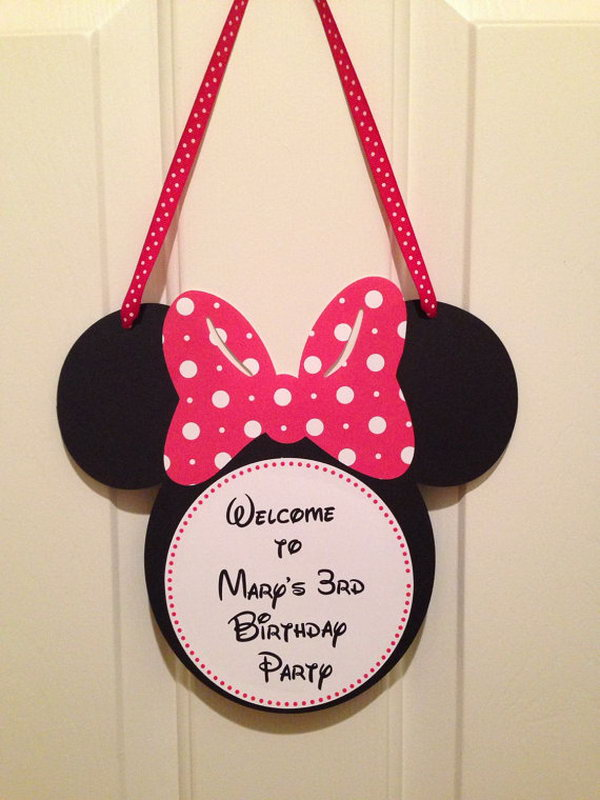 Welcome your guest with something different and personal on your front door, patio, outdoor or indoor decor. It's a special gift for them to see this adorable Mickey mouse front door decor. http://hative.com/cute-minnie-mouse-party-ideas-for-kids/