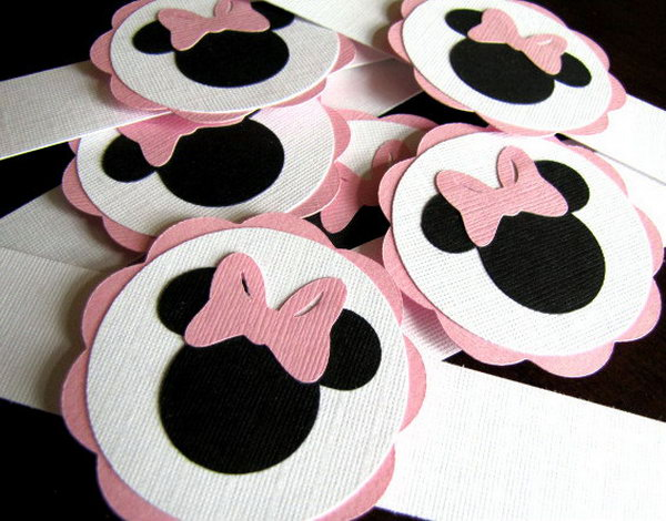 Minnie Mouse Party Napkin Rings are the perfect way to add that special touch to your t party! These napkin rings are made of  high quality cardstock with a combination colors of white, pink and black to bring your kid a light and happy visual effect. http://hative.com/cute-minnie-mouse-party-ideas-for-kids/