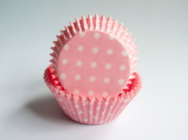 Want to make your Minnie Mouse themed party supply extra festive? Try these pink polka dot cupcake liners. These adorable polka dot cupcake liners are wonderful decorations for your cupcake. http://hative.com/cute-minnie-mouse-party-ideas-for-kids/
