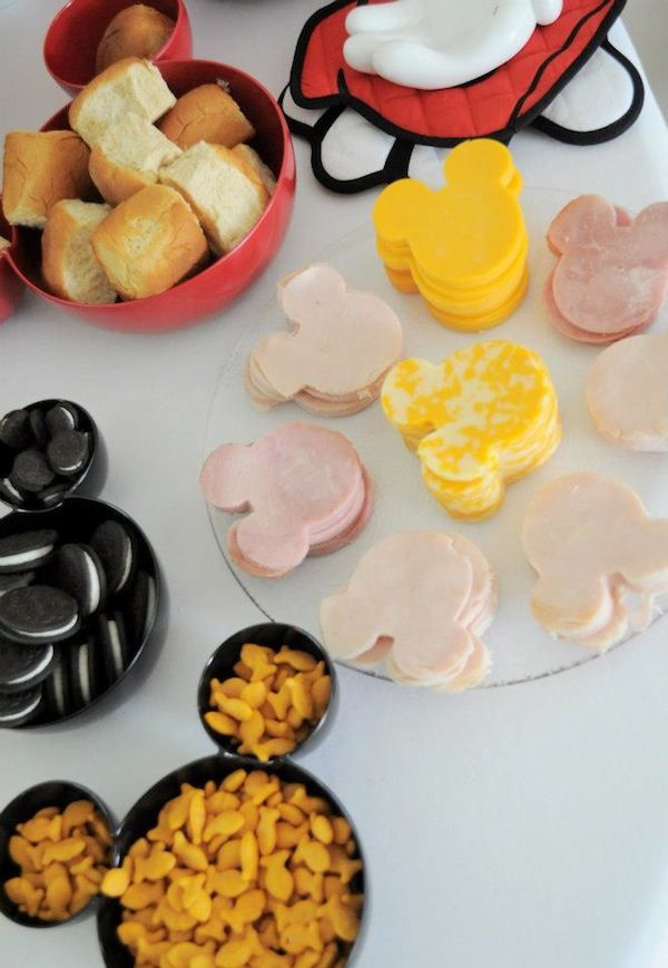 For a Minnie mouse themed birthday party, all you need to do is put the cookies and snacks in such a Minnie mouse shaped bowl. This bowl matches the party theme perfectly. Don't hesitate to use them to put all your cookies and desserts in miniature shape http://hative.com/cute-minnie-mouse-party-ideas-for-kids/