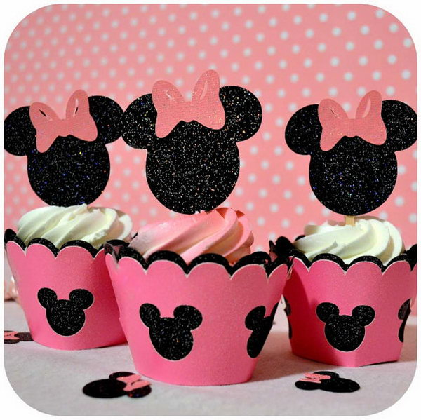 This adorable glittering Mickey Shorts Cupcake Topper is in black and red with white for the buttons on Mickey's shorts. What a fun way to decorate your cupcakes! Your kids can't miss seeing the darling Mickey mouse in this way! http://hative.com/cute-minnie-mouse-party-ideas-for-kids/