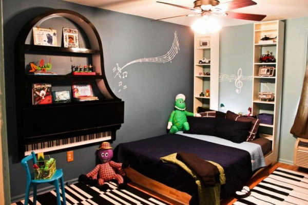 Creative Old Piano Repurposing Idea. Give your old piano a new life, and showcase your artwork to your friends.