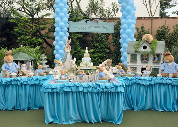 Cool birthday party ideas for boys hative for Baby birthday party decoration