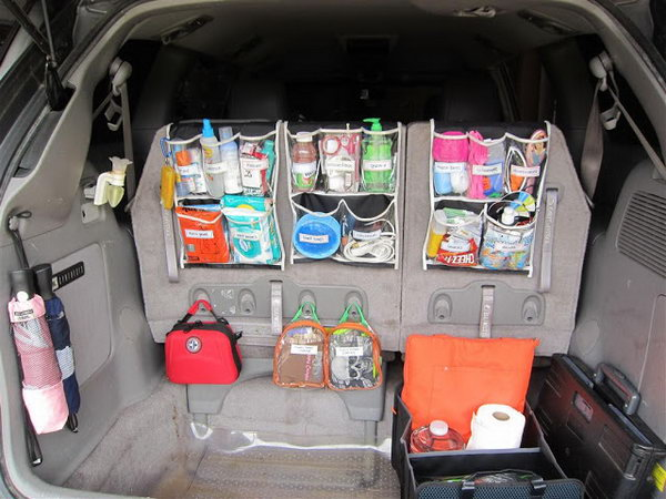 Usually, there are many junks in the trunk of your car. Here is a good idea for you about how to make your trunk organized.