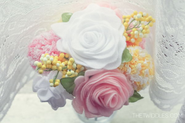 Felt Flower Bouquet. A felt flower bouquet is a fabulous gift for moms on special days. These felt flowers are extremely beautiful and last for long.