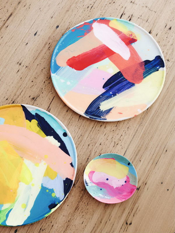 Painted Plates. Personalized painted plates is a perfect gift for artsy moms. This gift is not only useful but also decorative.