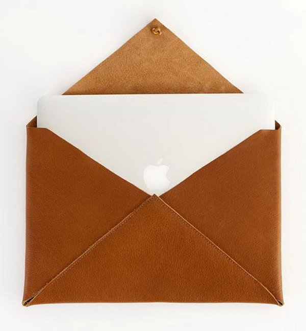Newman Laptop Case. This gorgeous gadget serves best to keep your computer safe and chic  with a leather wrap closure in a n envelope shape. The graduate must love its cute outlook as well as practical usage. http://hative.com/graduation-gift-ideas/