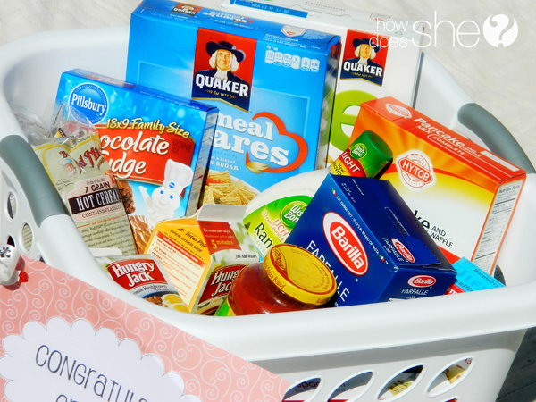 Food Essential Kit. If the graduation gift recipient is a snack lover, pack the kit with all favorite food he or she likes to make the preparation for the transition stock. http://hative.com/graduation-gift-ideas/