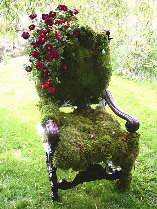 Do not throw away the old seat or armchair, because you can make it into a decoration in your garden corner with some moisture and grass seed.