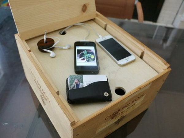 25 Creative Ways To Organize Your Family S Electronics