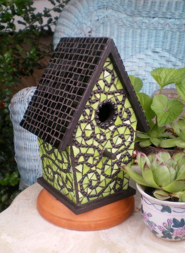 20 creative ideas for reusing leftover ceramic tiles hative for Birdhouse project