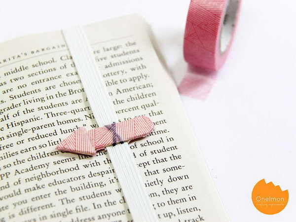 Arrow Bookmark. Cut the stick into 3 parts assemble to make the arrow shape. Sew the arrow to the elastic strap and add wrap the arrow with washi tape for beautiful decor. It's cheap yet your friends must enjoy this creative design.