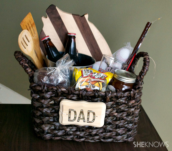 Fun Basket Filled with Gifts for Dad. This quick Father's day gift will surprise Dad with a basket of men inspired goodies. See the how to here.