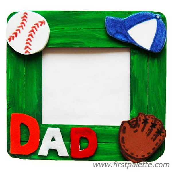 Craft Stick Photo Frame. Your Dad loves everything you make yourself. Give Dad your handmade frame and watch his facial expression change! 'You made this?' This would be a awesome Father's day gift. See the tutorial here.