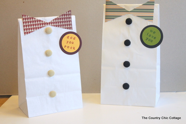 Father's Day Gift Bags. Cute gifts for Daddy made by children. Learn the tutorial here.