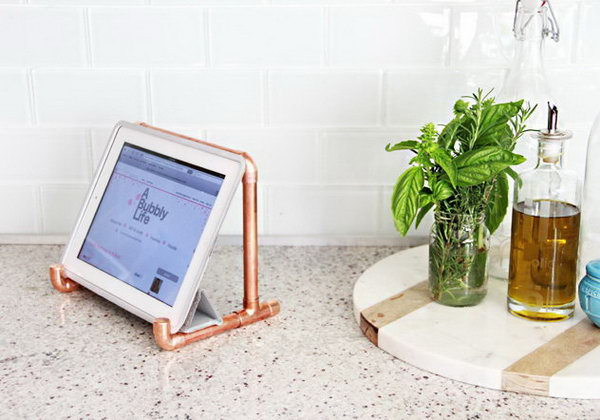 DIY Copper Pipe iPad stand.You must have some unused copper pipes in your storage room. Now you can repurpose them as an iPad stand.Here's the detailed tutorials for you.