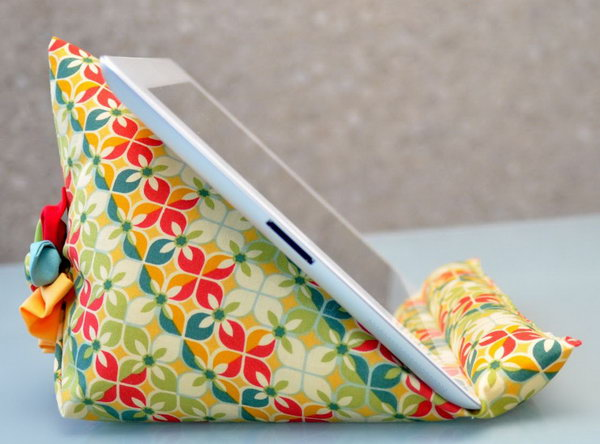 25 Diy Ipad Stand Ideas And Tutorials Hative