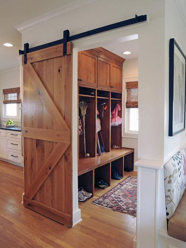 Wood Mudroom I Love This Area Of House Very Much It S Really Adorable With