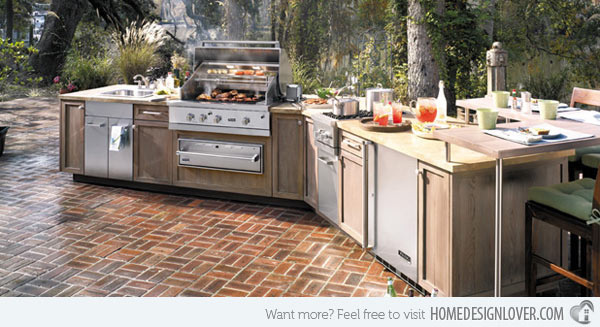 This Viking outdoor kitchen features a good view of landscape, surrounded by lots of trees. It will give the homeowners or the guests a great time outdoors.
