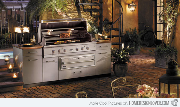 Build an outdoor kitchen in your courtyard and decorated with so many potted plants. Be sure your special someone will be happy to see an outdoor kitchen as romantic as this.