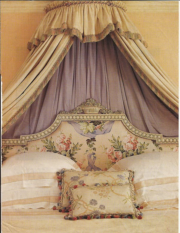 Lavender canopy: This iron crown canopy became an eye-catching backdrop in the bedroom and alcove in which to take refuge to abandon intimate dream journeys.