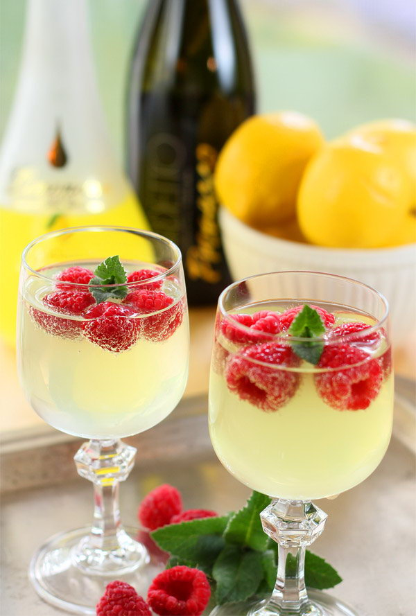 Limoncello and Prosecco Cooler Cocktail