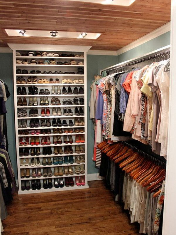 40 clever closet storage and organization ideas hative for Ideas para closets pequenos