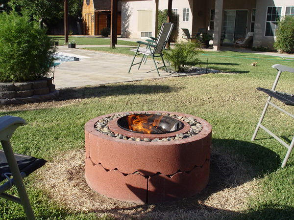 35 diy fire pit ideas hative for Do it yourself fire pit designs