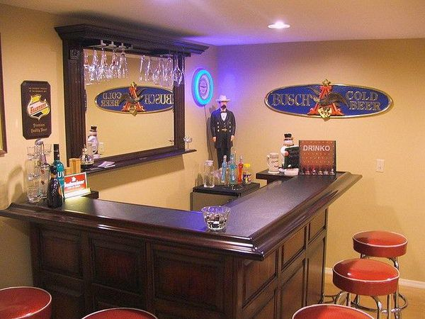 Delightful DIY L Shape Man Cave Bar