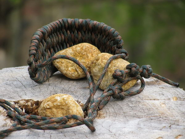 Paracord Rock Sling