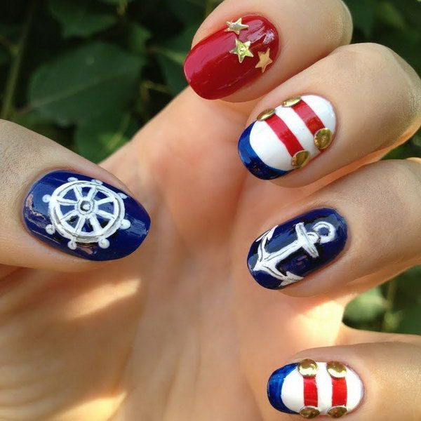 4th of July Nautical Nails with Gold Accents - 20+ Beautiful Patriotic Nautical Nail Art Ideas - Hative