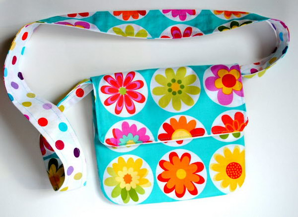 Mini Messenger Bag. These mini bags can be used to hold just a handful of things , such as keys, wallets, phones, etc. The perfect sewing project for the little girls. See how to do it