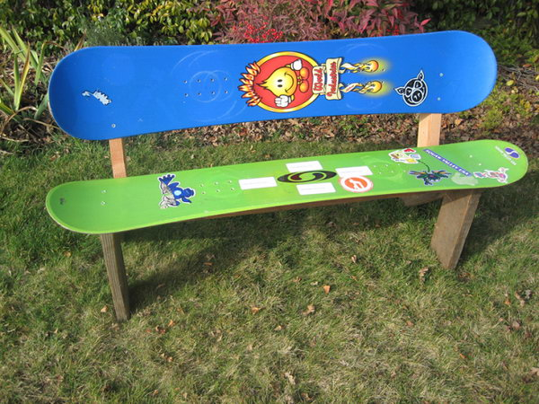 20 fun and creative skateboard upcycling ideas hative skateboard chair or bench solutioingenieria Gallery