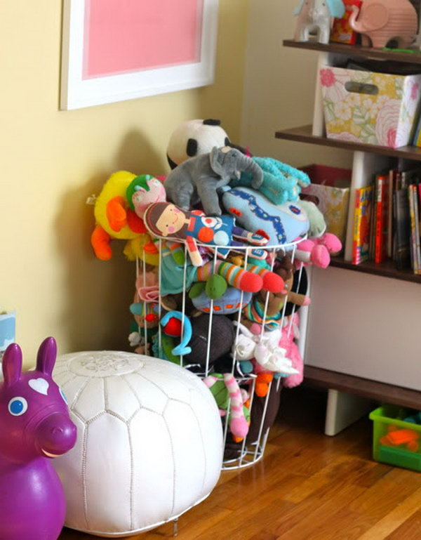 Use a Plain Trash Can as a Place to Hold Stuffed Toys & 25 Clever u0026 Creative Ways to Organize Kidsu0027 Stuffed Toys - Hative