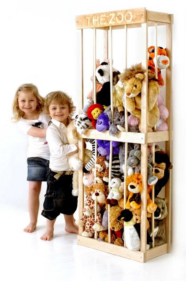 25 clever creative ways to organize kids stuffed toys hative diy wood animal zoo solutioingenieria Image collections