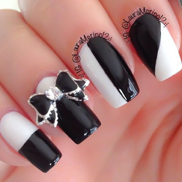 Black and White Bow Nail Art.