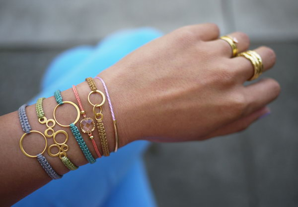 DIY Macrame Bracelet. See the tutorial