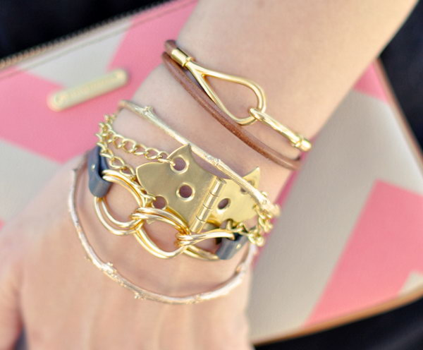 Hinge Bracelet With Gold Chains. Get the instructions