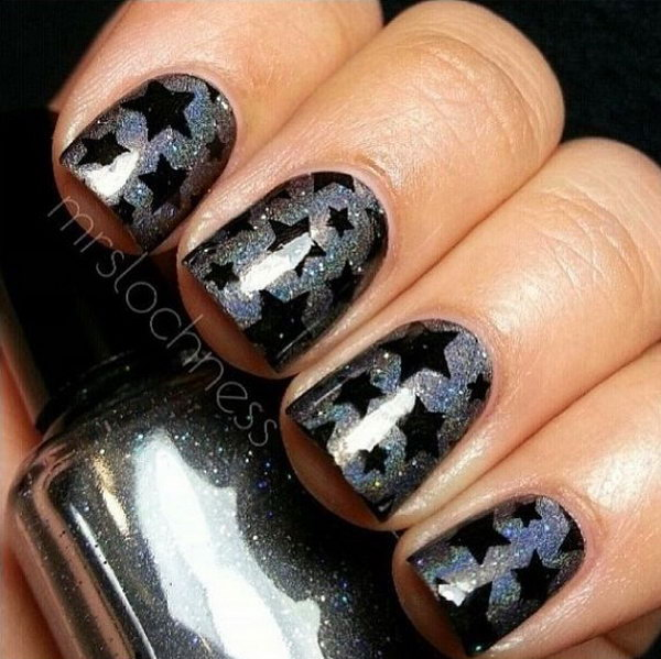 Glitter Gray Nail Designs with Black Star - 50+ Cool Star Nail Art Designs With Lots Of Tutorials And Ideas - Hative