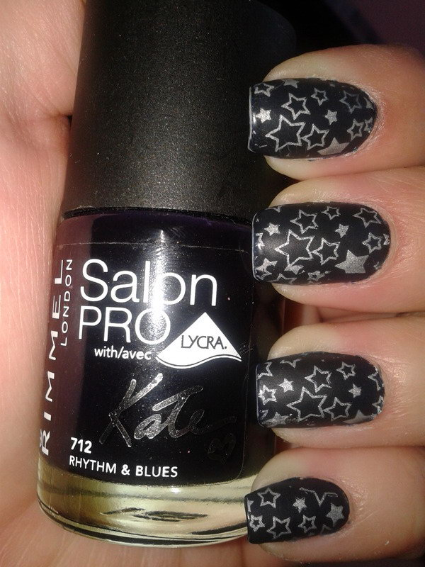 Black Star Nails. This is all sorts of perfect! I love it, so clever! :)
