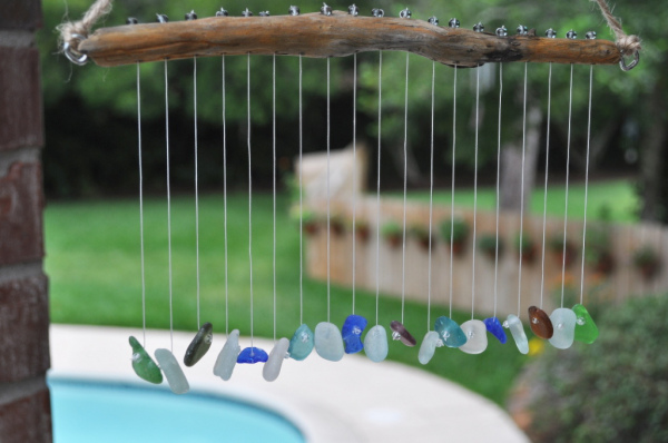 Seaglass Pebbles Wind Chime. Get the tutorial
