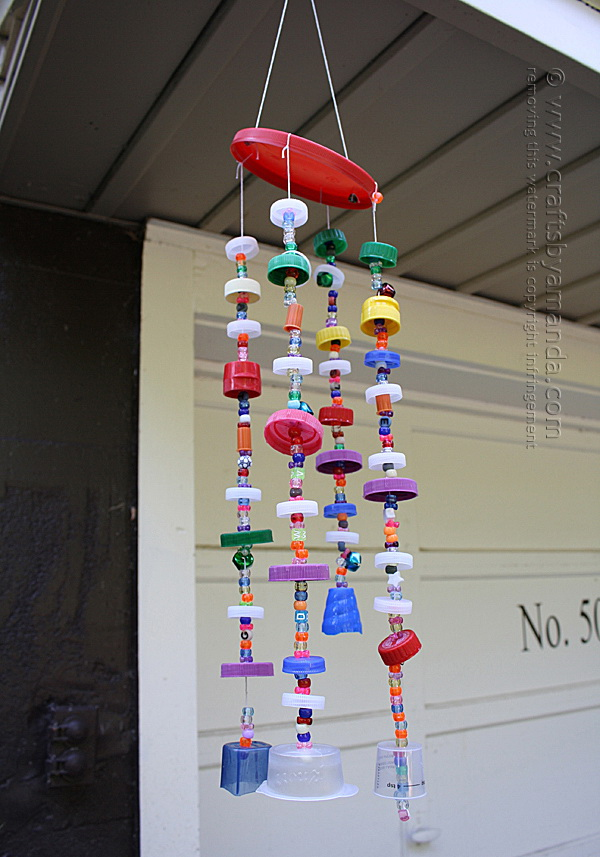 Recycled Plastic Lid Windchime. Get the tutorial